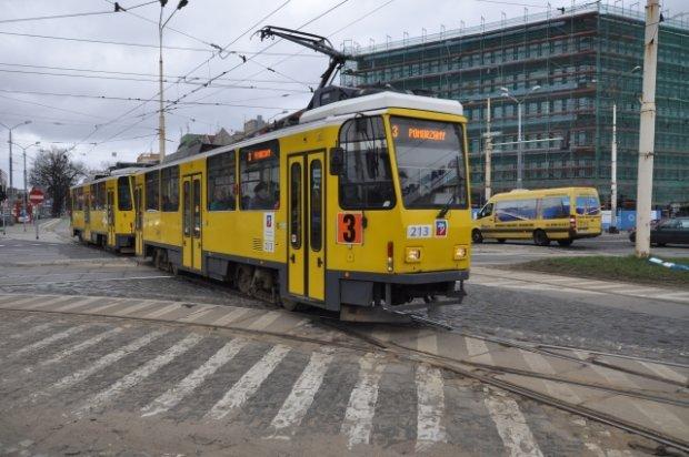 Korekty trasy linii 3 po zamknięciu mostu Długiego.